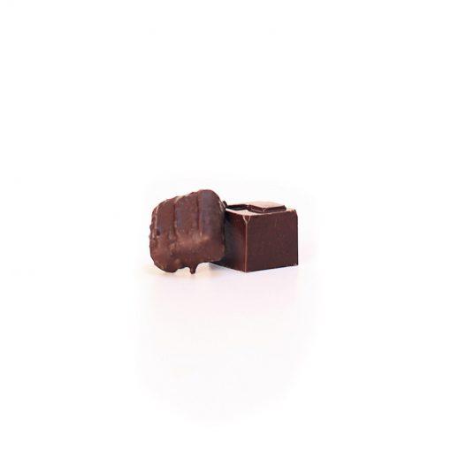 Bonbon chocolat/caramel et chocolat/framboise avec de la Spiruline de Montauban